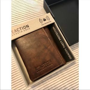 Kenneth Cole Reaction Wallet! NWT
